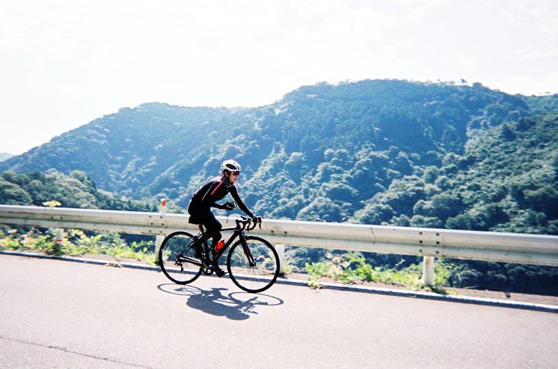 ロードバイク×カメラの新提案!? 写ルンですはどうでしょう?