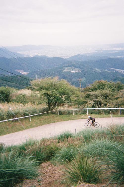 大野山からは相模湾を一望できる(写ルンです)