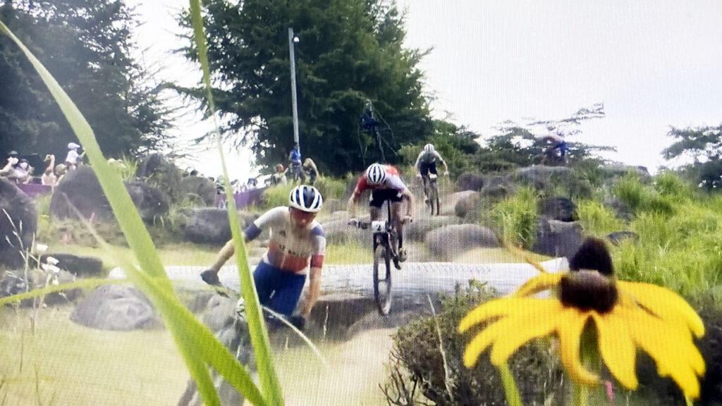 岩を自転車で下る必要があるのか問い合わせたいMTBクロスカントリー