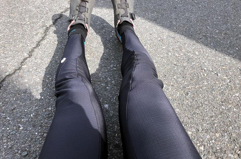 真夏のように暑い中、最強の真冬用レーパンを履く