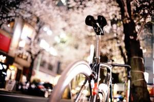 ロードバイクで通勤帰りに花見!