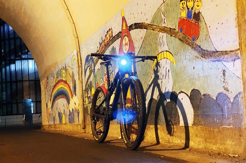 自転車ライトにVOLT 400XCはどうでしょう?