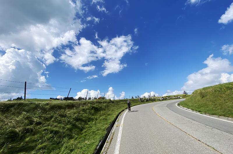 美ヶ原高原美術館への道のりは絶景
