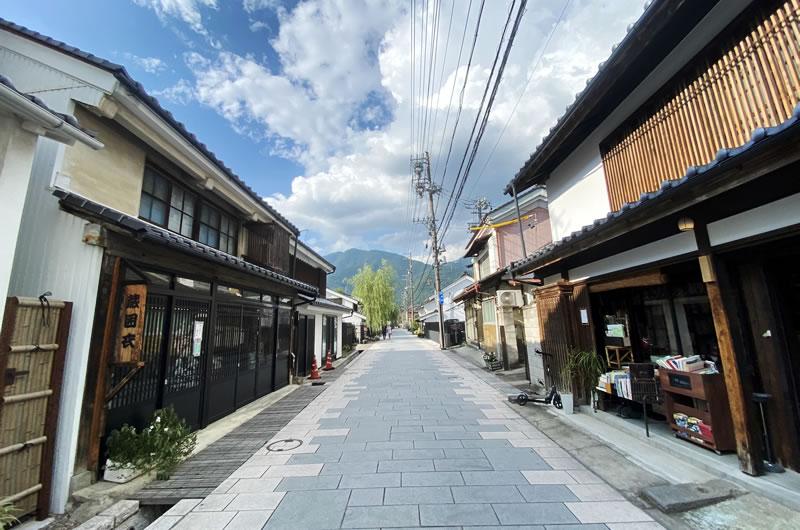 上田に着いたら、ゴール地点の岡崎酒造をめざす