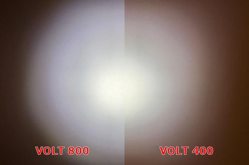 VOLT400XCとVOLT800のロー・モードでの明るさ比較
