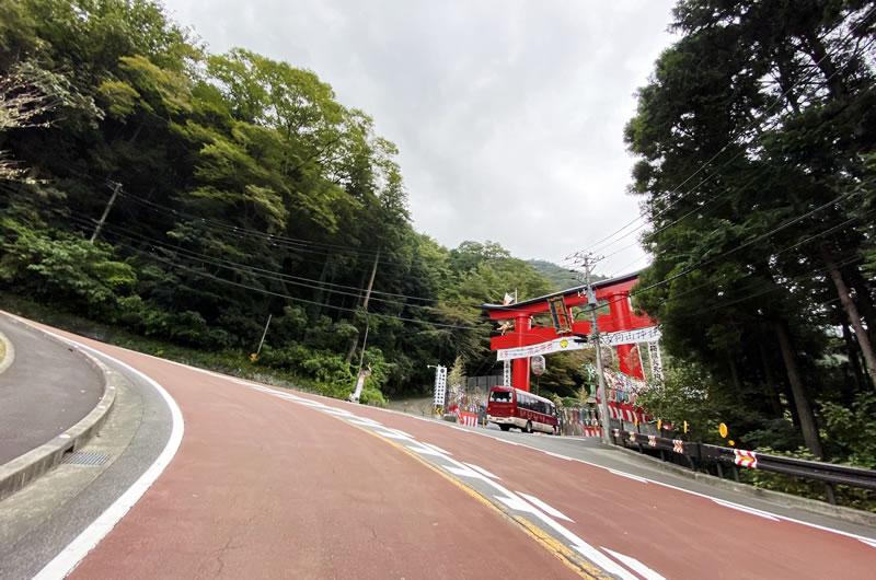 箱根旧道、物凄い斜度にタマゲタw
