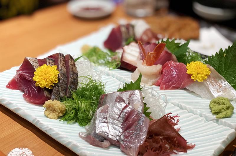 三島駅北口の沼津魚がし鮨で久しぶりに美味しい刺身をいただくなど