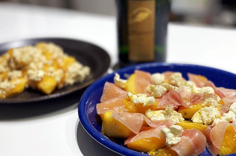 デゲメン氏作の柿の白和えと柿とモッツァレラチーズ、生ハム添え