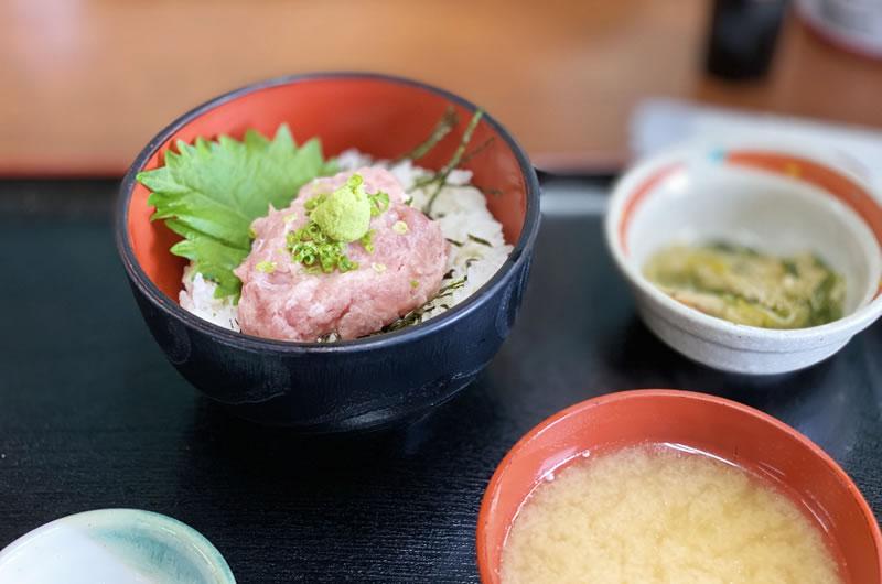 ネギトロ丼、スーパークオリティで650円は破格(;゚Д゚)