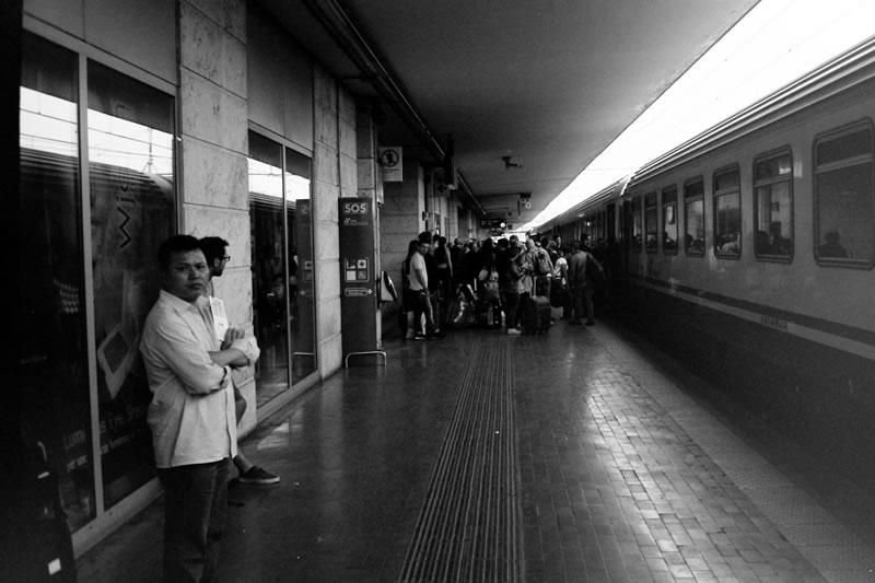 移動は列車とレンタカーで