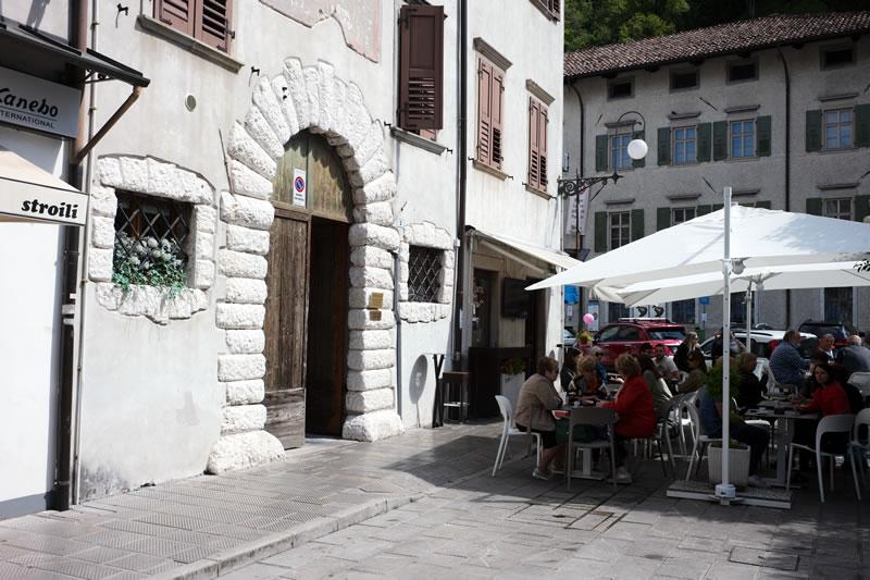 トルメッツォのオープンカフェなバール