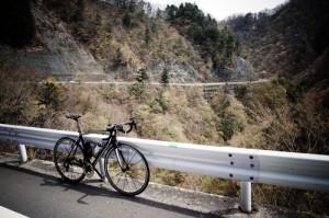 丹波山村の手前の山道