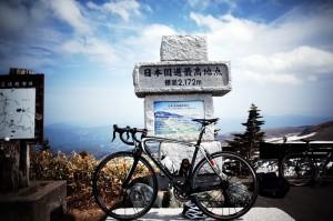 遂にBBバキバキ(笑)ターマックで、今年最大の目標・渋峠に到達しました!