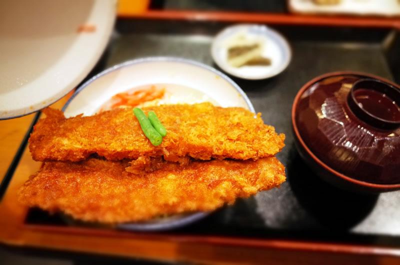 秩父名産・わらじカツ丼も広義のソースカツ丼!?