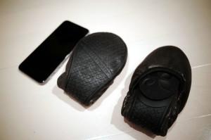 バタフライツイストのシューズをiPhone6と比較