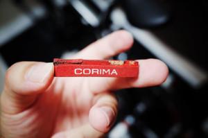 コルク素材のブレーキシューは割れやすい?