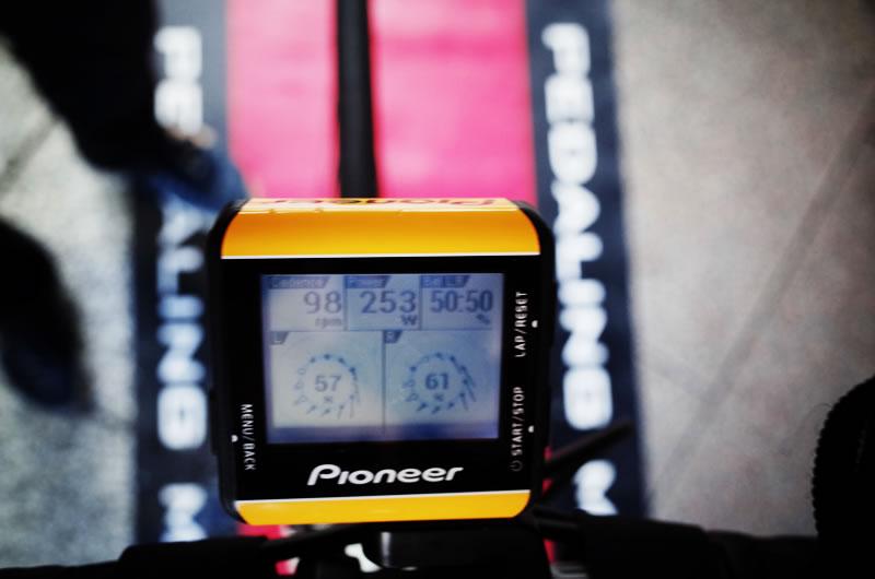 パイオニアペダリングモニターのサイコン、SGX-CA500