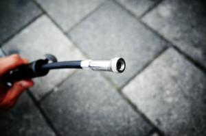 簡単な携帯用ポンプながらも最大120psiまで充填可能