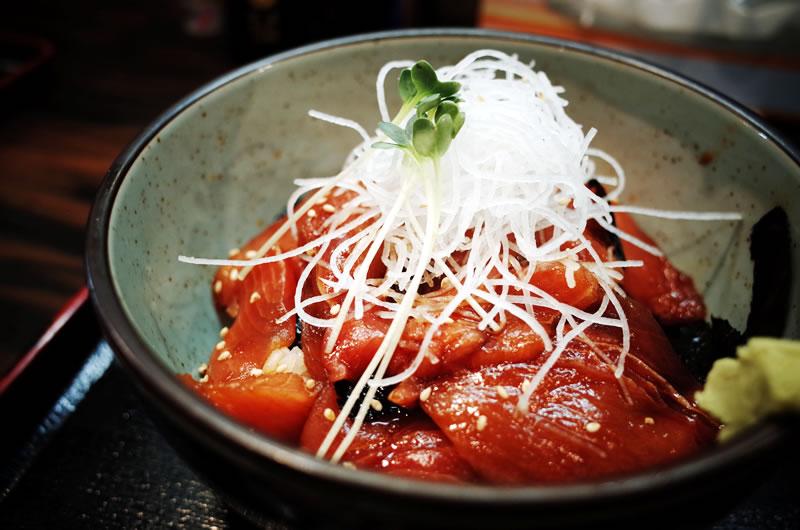 くろば亭の中トロ丼 [RICOH GR]