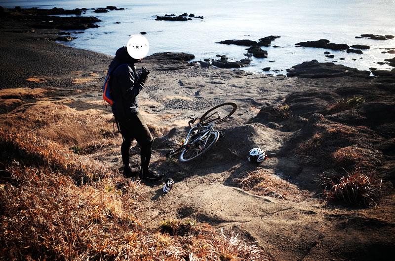 なんでオラのロードバイクは倒れてしまうん??
