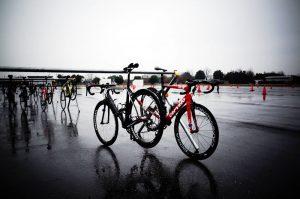 ロードバイクは雨でも走るからねぇ