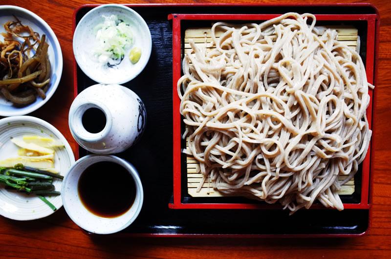 特盛にしてもらった那須庵の蕎麦。これまた超美味い!