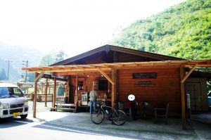 井川~千頭で唯一食べ物を補給できるパン屋カッソ