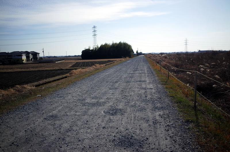 たまに未舗装路があるので要注意