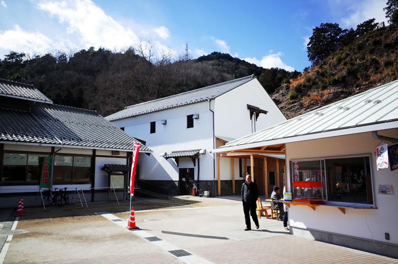 メチャクチャきれいな道の駅「和紙の里」