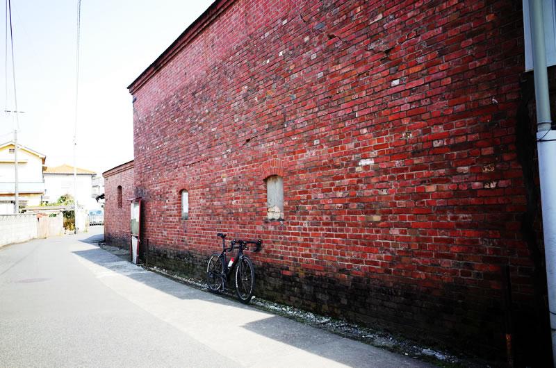 明治時代のレンガ倉庫もある
