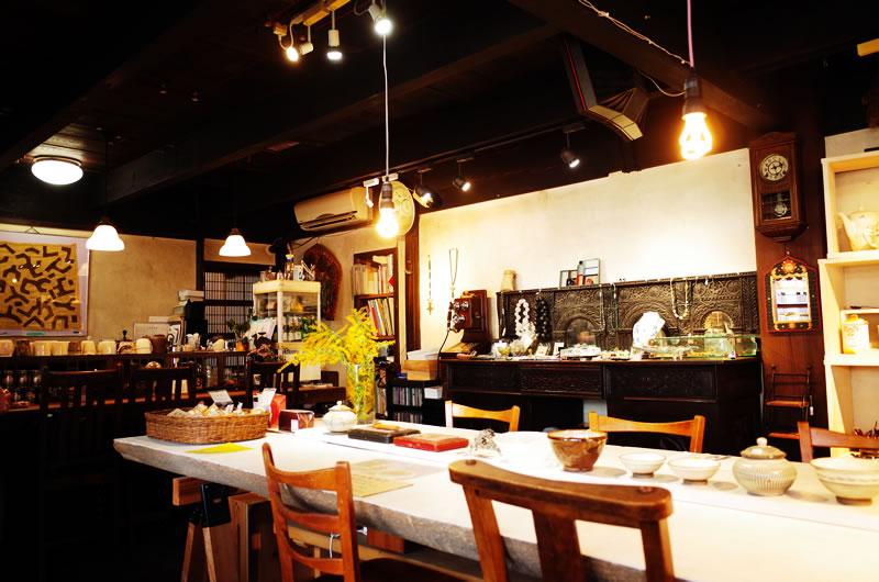 店内も居心地の良いカフェスタイル