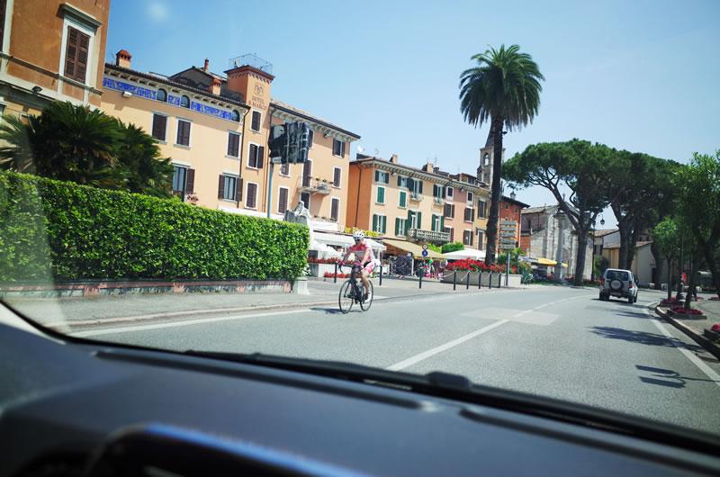 イタリアのロードバイク乗りはみんなジャージにレーパン