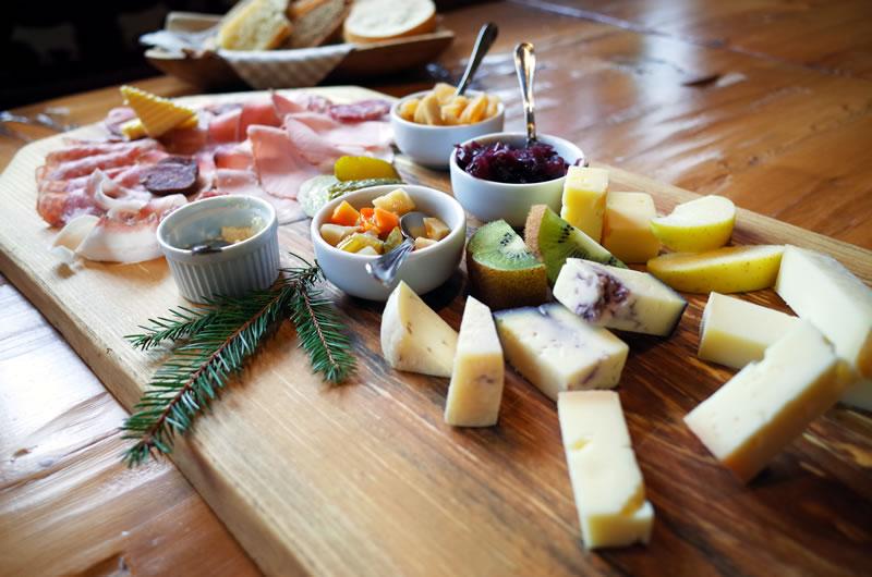 ハムもチーズも全部手作り!