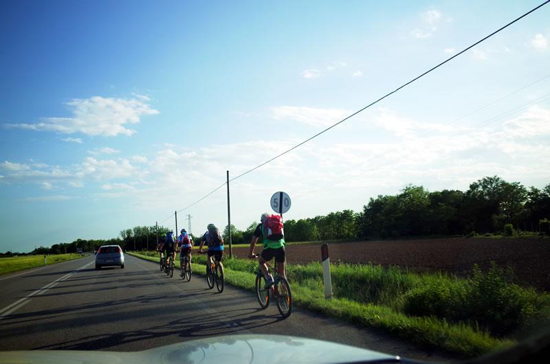 サイクリストがいっぱいのイタリア