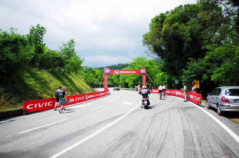 ピアンカヴァッロもサイクリストでいっぱい