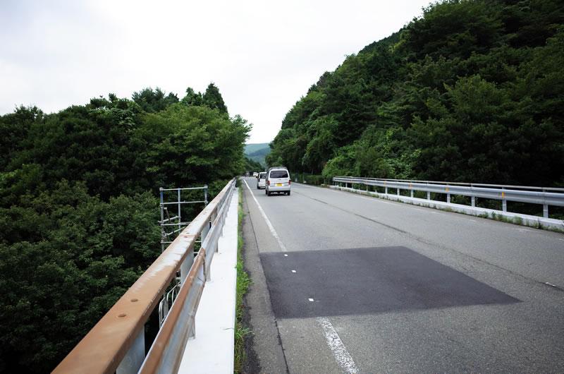 熱海峠の交通量はそこそこ