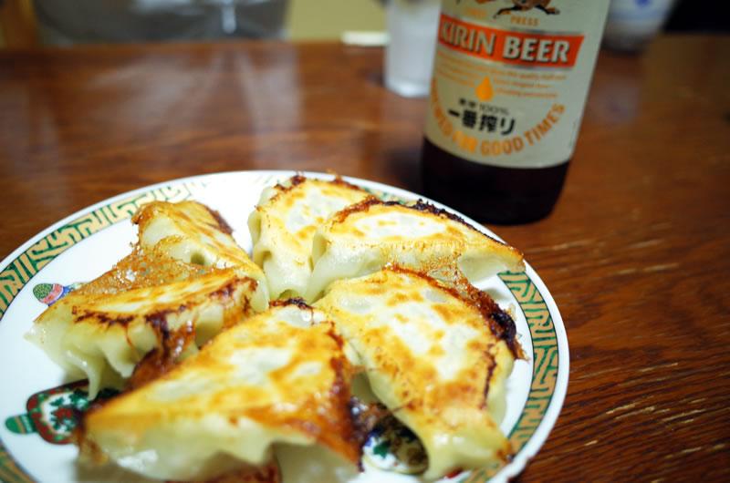 前菜は餃子&ビール(*´ω`)