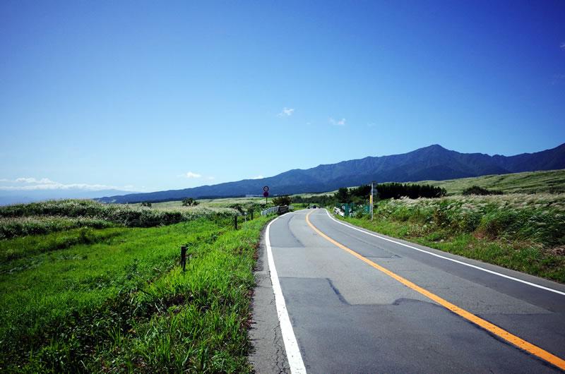 富士の裾野の広大な景色