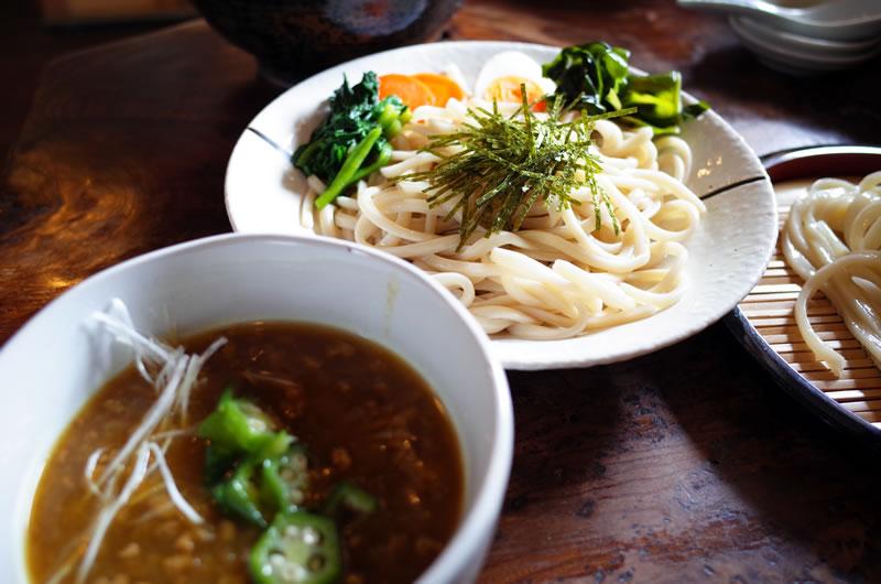 カレーつけ麺の別アングル
