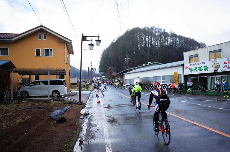 悪天候でハーフコースでの開催となった2018年のツール・ド・八ヶ岳