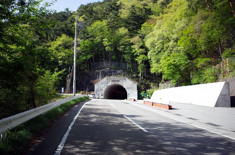 新鳥坂トンネル。全長は400mほど