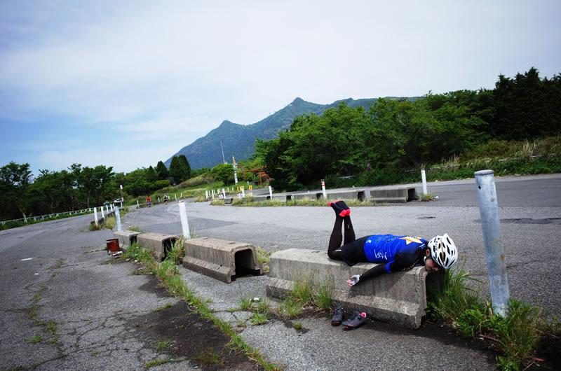 デゲメン氏、筑波山に散る