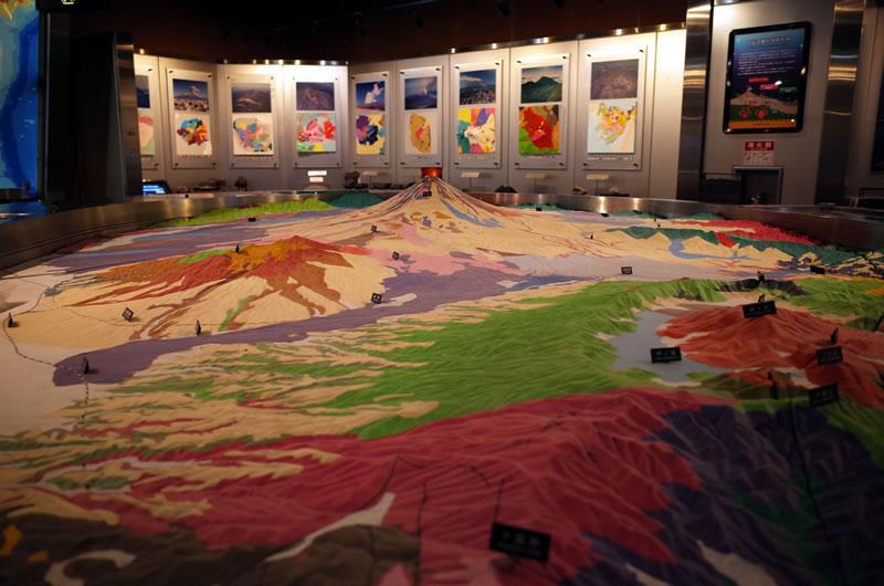 富士山周辺の岩石分布も分かりやすく展示