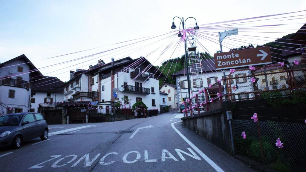 モンテ・ゾンコランの入り口の集落
