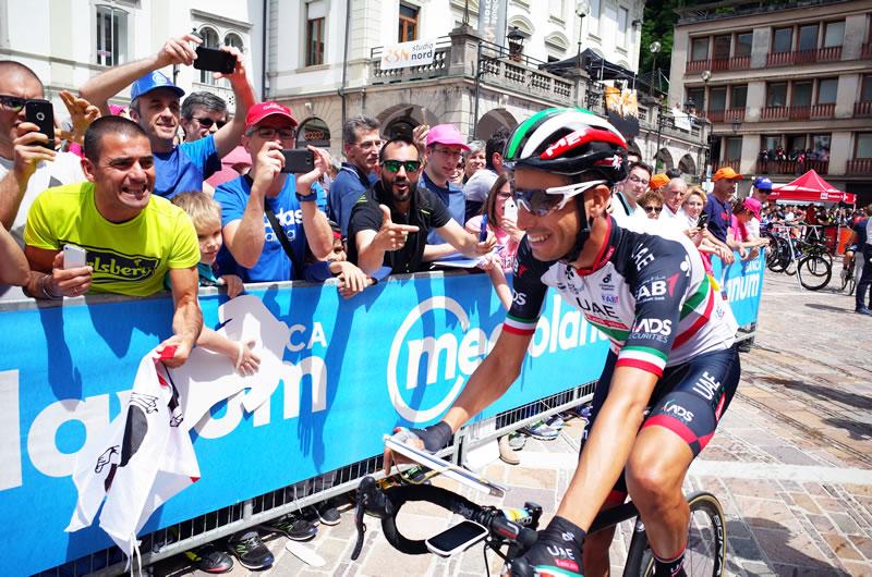 イタリア期待の星、ファビオ・アルーは大人気!