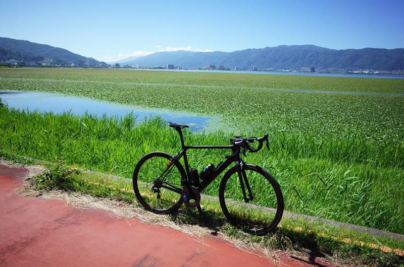 塩尻峠を下ったらすぐ諏訪湖に到着