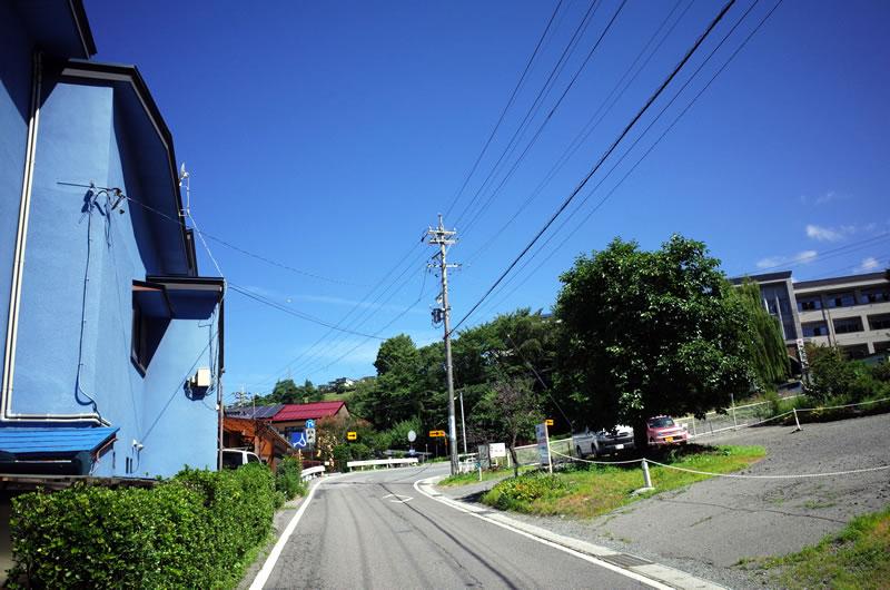 諏訪湖から県道40号線に入るとすぐ激坂