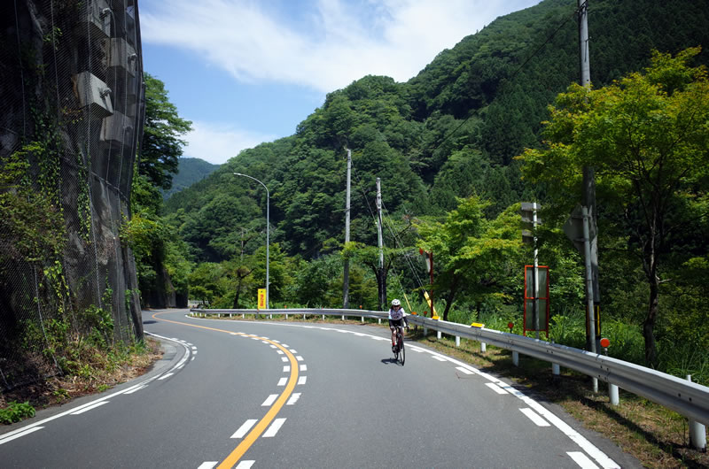 国道140号線を一路、秩父湖へ