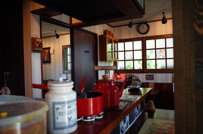 コーヒー薫る「蘖(ひこばえ)」の店内