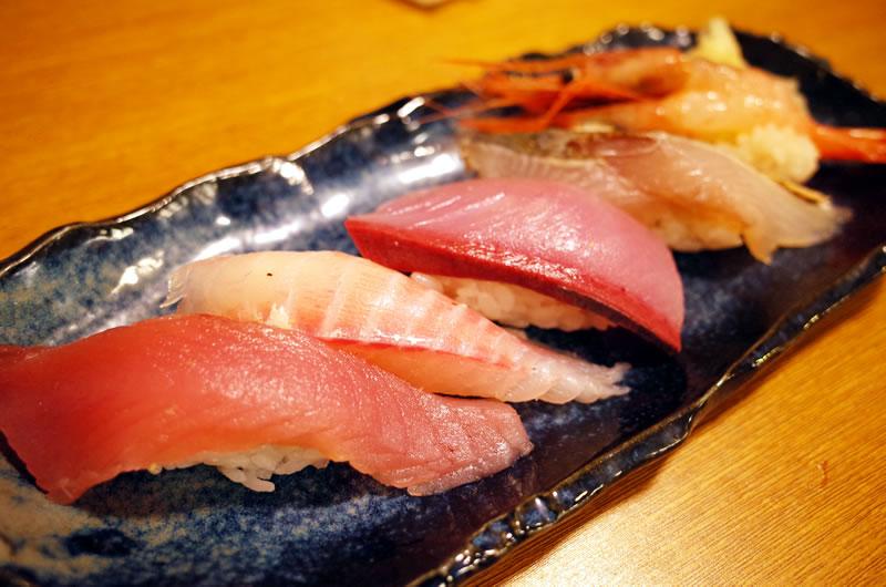 あやみ屋は普通の居酒屋とは思えないクオリティの魚と寿司